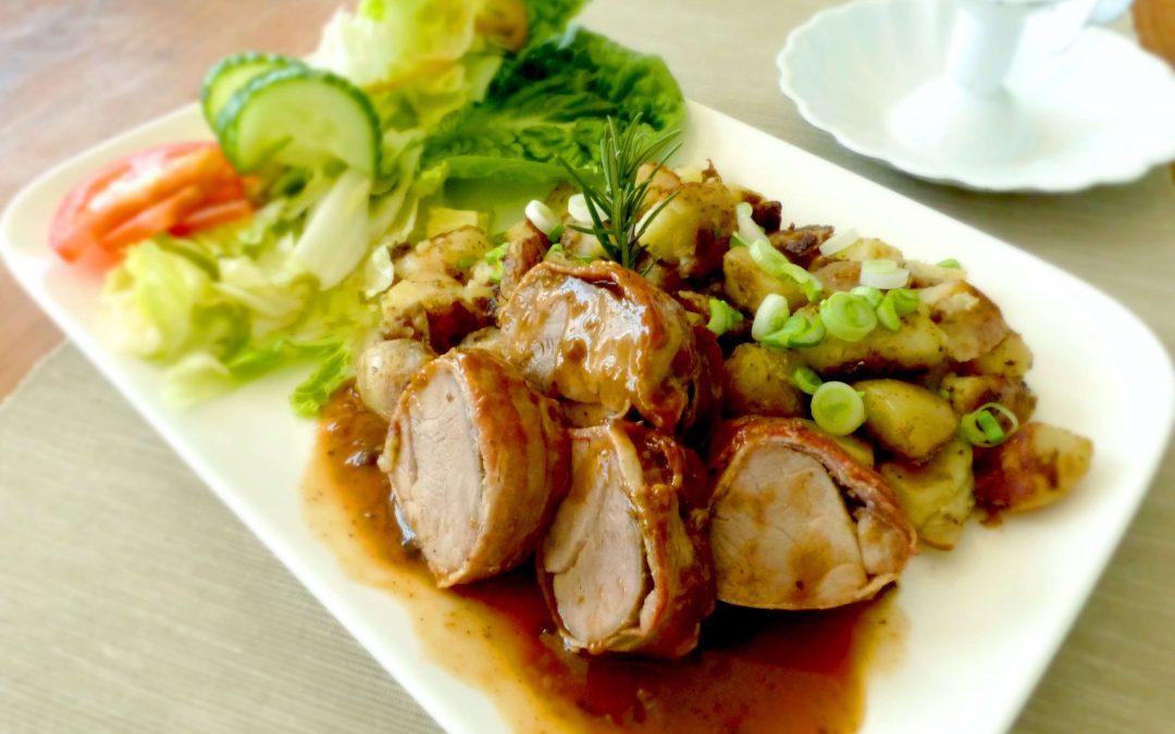 El estofado de pollo es un plato muy versátil porque admite un montón de variaciones y de guarniciones para acompañarlo. Nosotros vamos a hacerlo con patatas, pero puedes hacerlo con guisantes, arroz, frutos secos… lo que te apetezca.